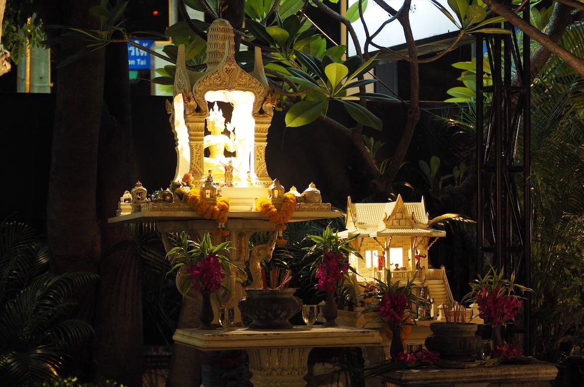 タイのレストランにあったバラモン像